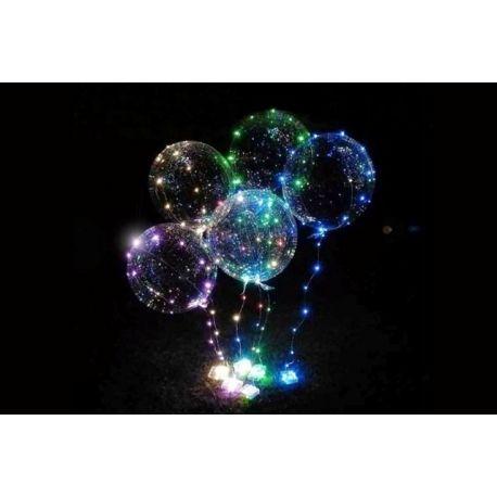 Balón s LED svetielkami a paličkou.