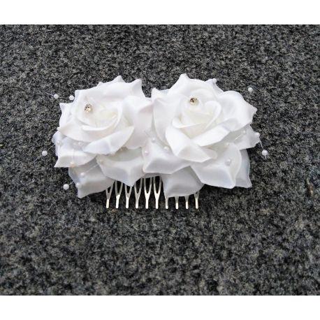 Kvety do vlasov so sponou