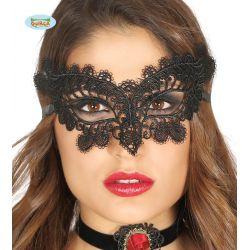 Vyšívaná čierna maska