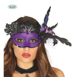 Fialová maska s pierkami