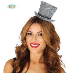 Lesklý strieborný klobúčik