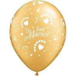 QUALATEX zlatý balón s potlačou Just married a malých srdiečok (28cm)